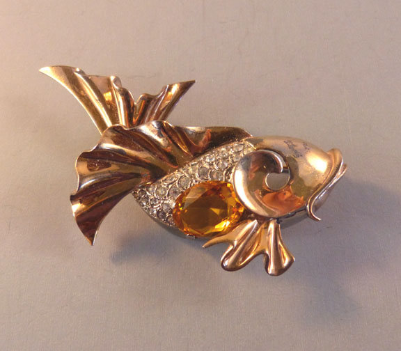 df600915cc1 BOUCHER attributed but unsigned fish brooch in gold tone with a topaz  colored unfoiled rhinestone belly and clear rhinestone accents, 3
