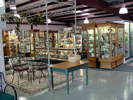 Welcome to the Antique Connection Mall in Albuquerque, New Mexico. As you  come through the door, our wonderful front showcases are on your left....  ... - Antique Connection Mall