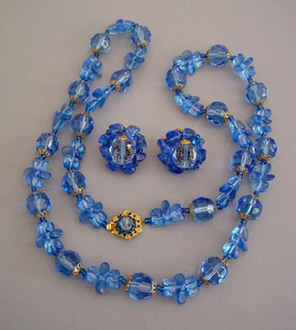 necklace p product choker blue vintage glass unusual cobalt white