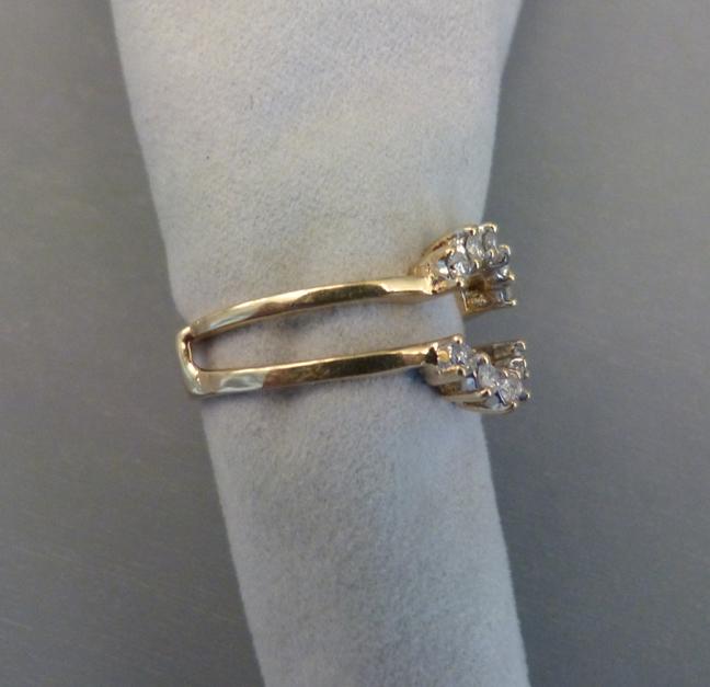 DIAMOND guard ring 14 karat yellow gold can be worn with center