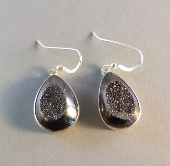 Fifirose Sterling And Slate Gray Drusy Teardrop Shaped Pierced Dangly Earrings 31 Ounces 7 8 By 1 2 The Brand Of Jewelry Is Made In Bali