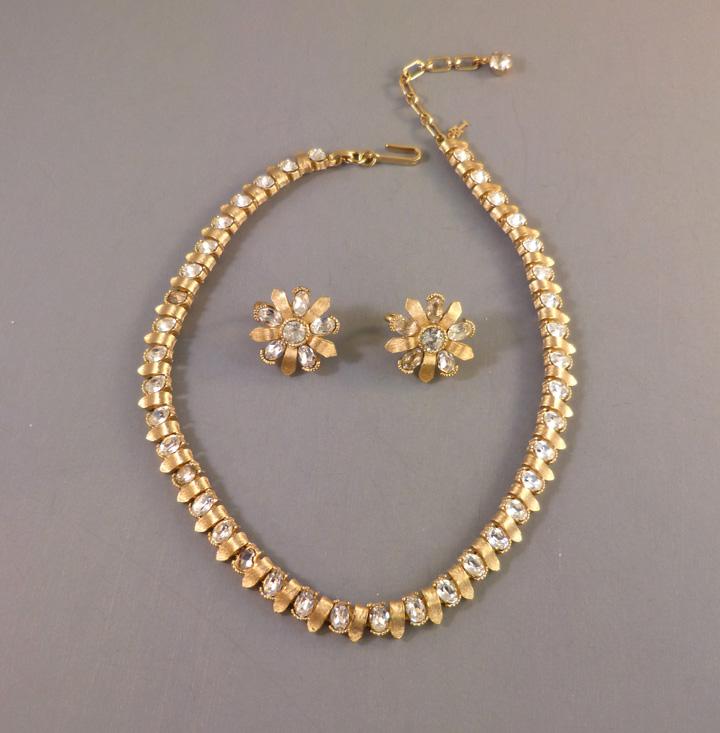 Dating vintage trifari jewelry