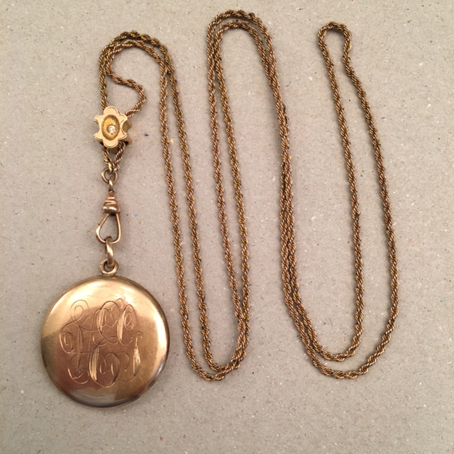 Locket Slide And Chain With The Beautifully Engraved Initials Veg Circa 1920 Has E For A Photo
