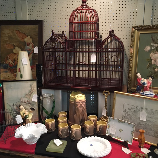 Dealers bring in more every week, so don't miss it if these are your bag!  You can buy it at the Antique Connection Mall in Albuquerque, New Mexico,  ... - Morning Glory Antiques