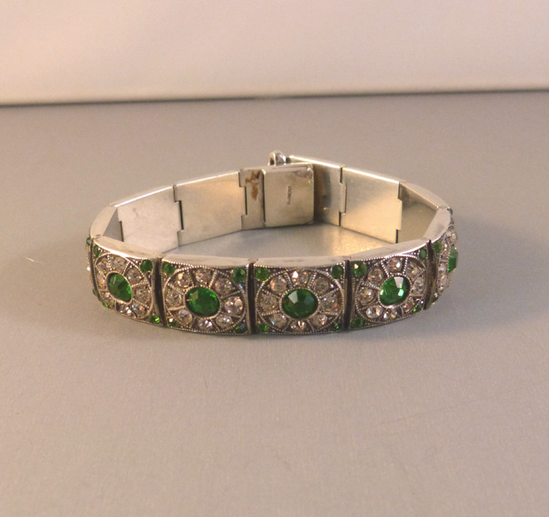 Green And Clear Paste Bracelet Set In 12 Linkounted Sterling 6 1 4 By 2 It Is Marked On The Back Of Clasp